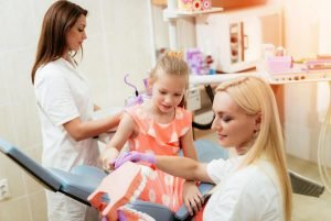 Visiting-a-Childrens-Dentist-to-Help-Prevent-Dental-Issues-Dentist-Forster
